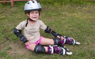 Как правильно ребенок катается на роликах?