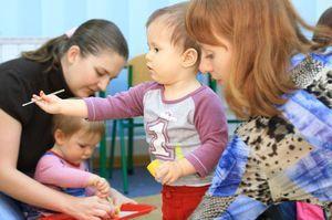 Развивающие занятия для детей; с 2 до 3 лет: чем занять малыша дома?