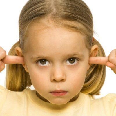 Если ребенок не слушается: как реагировать на непослушание, что делать родителям