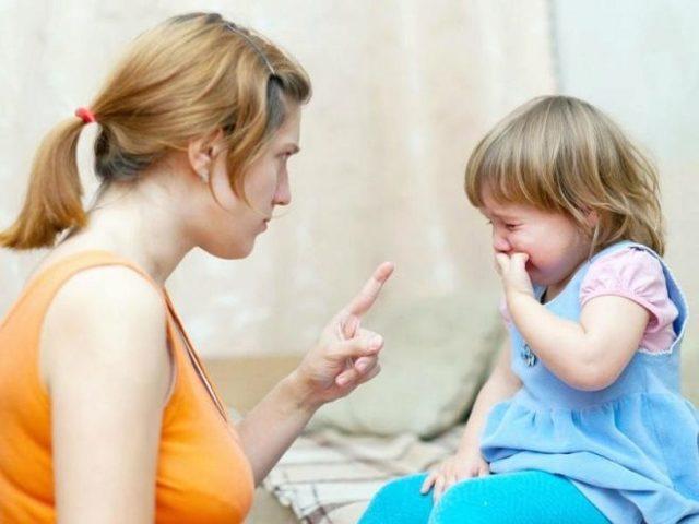 Как отучить ребенка грызть ногти: причины, советы психолога, Комаровского