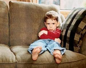 Ребенок в 2-3 года часто психует и капризничает: как бороться с капризами (Комаровский)