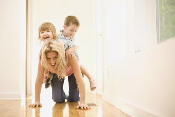 Ребенок дерется с родителями в 2-3 года: как отучить, что делать (Комаровский)