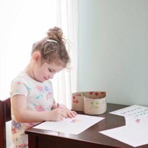 Как научить ребенка правильно держать ручку и карандаш: 6 простых способов