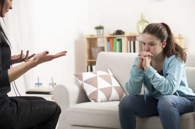 Что делать, если ребенок ворует деньги у родителей: совет психолога, как отучить