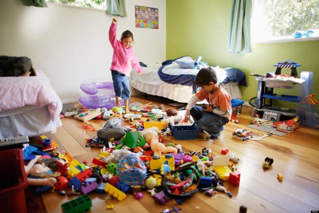 Как приучить ребенка к порядку, научить убирать за собой: советы психолога