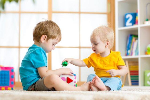 Как приучить ребенка к садику в 2-3 года, если он не хочет идти в детский сад?