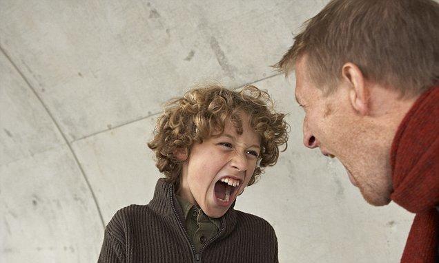 Ребенок ругается матом: что делать, как отучить его материться?